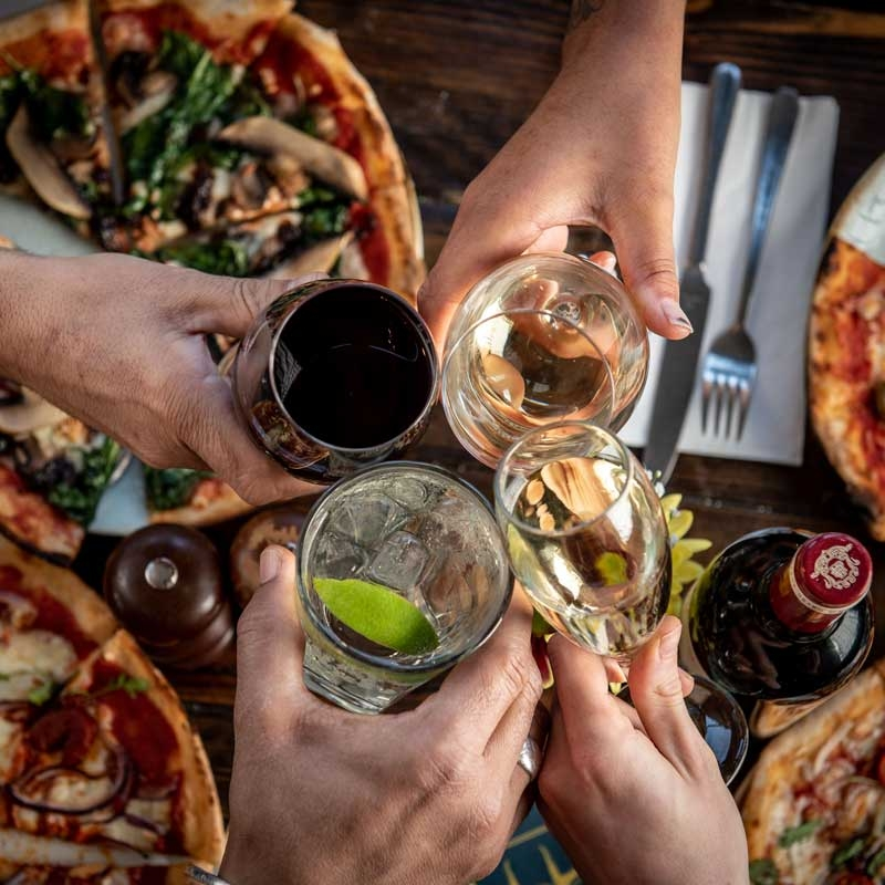 Mere-Scribbler-pizza-menu-firends