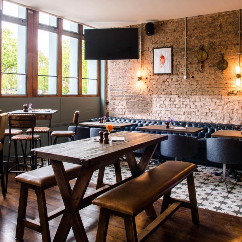 Mere-Scribbler-local-pub-streatham-venue-sports-seating
