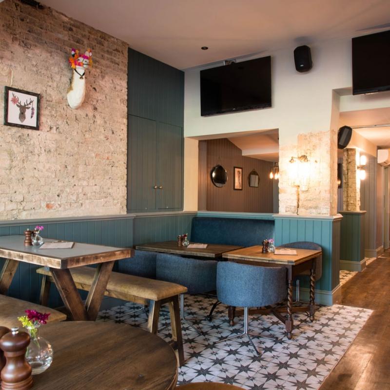 Mere-Scribbler-local-pub-streatham-venue-family-friendly