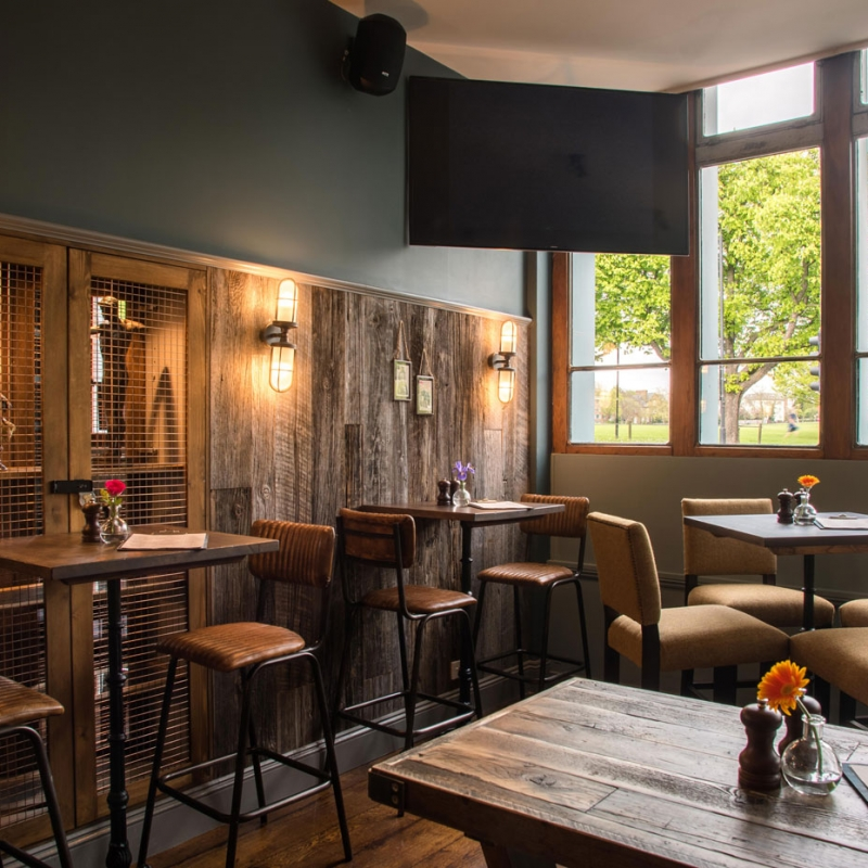 Mere-Scribbler-local-pub-streatham-venue-sports-bar